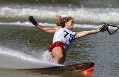 Slalom waterskiing