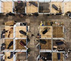 Bird's eye view, looks like a toy barn! Dream Stables, Dream Barn, Horse Stables, Horse Barns, Schleich Horses Stable, Breyer Horses, Clydesdale Horses, Appaloosa Horses, Horse Barn Designs