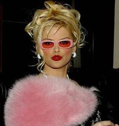 Anna Nicole Smith Pretty in Pink. Juicy Couture, Anna Nicole Smith, Ann Nicole, Bobe, Autumn Aesthetic, 90s Aesthetic, Glamour, Pink Lady, Pink Girl