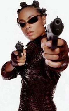 Bantu knots, like Jada Pinkett wore in The Matrix, are yet another way to get heat-free curls! Great for kids, too, apparently. Bantu Knot Out, Bantu Knots, Jada Pinkett Smith Matrix, Jada Pinkett Smith Movies, Matrix Frases, Matrix Reloaded, Badass Women, Shadowrun, Cultura Pop