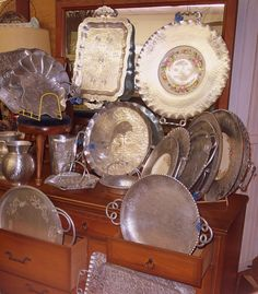 50's era hammered Aluminum trays & bowls..Bought several pieces for Sarah at our estate sale this weekend. Great looking.