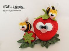 Tiny bees and strawberry, crochet pattern by mala designs