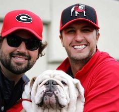 Luke Bryan is a GA bulldog fan!!