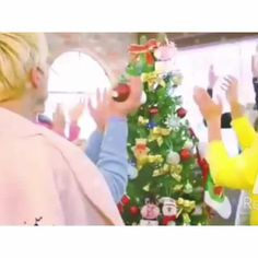 Merry Christmas!!! ✨ I hope everyone is ready for the holiday break I know I am XD for sure #kpop #shinee