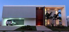 15 Fachadas de casas com portas de entrada painéis/altas! Veja dicas e modelos lindos!