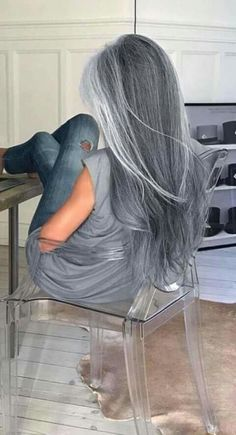 Pretty long silver hair Emerald Forest shampoo with Sapayul for healthy beautiful hair Sulfate free shampoo shop at Long Gray Hair, Silver Grey Hair, White Hair, Blue Grey Hair, Silver Ombre, Dyed Gray Hair, Gray Hair Ombre, Grey Hair Colors, Grey Hair Fringe