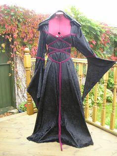UK Maid Marian medieval pagan Wedding dress hand fasting laced bodice LOTR  LARP c80f3e05e