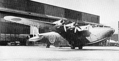 二式輸送飛行艇「晴空」 日本海軍の輸送機。 二式飛行艇を改造し、輸送型に改造したもの。 総生産機は36機であった。