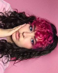 ARCTIC FOX HAIR COLOR Dying my bangs back tomorrow n there's only one pink pic on insta which is a crime ? - ARCTIC FOX HAIR COLOR Dying my bangs back tomorrow n there's only one pink pic on insta which is a crime ? Pink Hair Dye, Hair Color Pink, Dye My Hair, Dyed Curly Hair, Curly Hair Styles, 3c Hair, Curly Bangs, Hair Wigs, Hair Cut