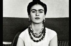 9 grande farces de Frida para reflexionar.    9 great phrases from Frida to reflect on.