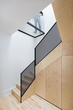 Canadian architecture firm Naturehumaine has recently refurbished an old residence built at the foot of Mount Royal in Montréal around the Staircase Handrail, Stair Railing, Staircase Design, Zinc Cladding, Architecture Design, Escalier Design, Steel Stairs, Modern Stairs, Glass Floor