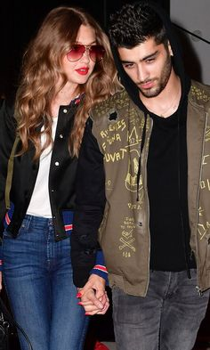 Pin for Later: Zayn Malik Rocks Some Seriously Sexy Scruff While Walking Hand in Hand With Gigi Hadid Gigi Hadid Und Zayn, Gigi Hadid And Zayn Malik, Shawn Mendes, Billie Eilish, 20 Weeks Pregnant, Zayn Mailk, Vogue Magazine, Mode Style, Celebs