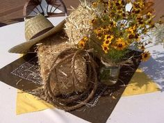 mini hay bales, hats, rope & flowers!