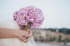 hortensia wedding bouquet // summer wedding inspiration // gold & purple