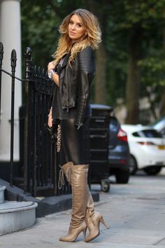 """""""Baby, you and I, we were born to -- boots Latex Fashion, Fashion Boots, Boots And Leggings, Leder Outfits, Nylons Heels, Fashion Forever, Sexy Boots, High Boots, Womens Fashion"""