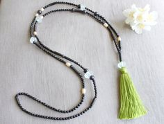 Green tassel necklace boho necklace by AstridMariaAlbrecht on Etsy, €48.00