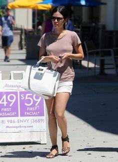 Rachel Bilson s Boy Chanel Bag 8d7ee77e4eab2