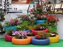 Resultado de imagen para manualidades con material reciclado llantas Tyres Recycle, Diy Recycle, Container Plants, Container Gardening, Plant Containers, Diy Art Projects, House Projects, Tire Planters, Concrete Crafts