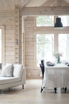 White Wash Walls, Lakeside Cottage, Lakefront Homes, Log Cabin Homes, Cabin Interiors, Home Staging, Home Decor Inspiration, Painted Pine Walls, Villa