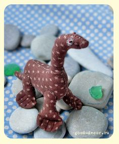 Toy made of cloth with their hands: baby Nessie-free pattern Russian site