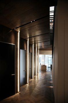 BJARNHOFF STUDIO - Bredgade 23 - KBH Viabizzuno#Rimadesio Hotel Hallway, Hotel Corridor, Entry Hallway, Hotel Interiors, Office Interiors, Light Architecture, Architecture Design, Executive Suites, Restroom Design