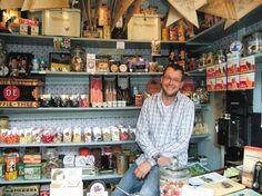 't Kleinste winkeltje van Nederland bestaat 120 jaar