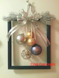 60 DIY Picture Frame Christmas Wreath Ideas that totally fits your Budget - Hike. 60 DIY Picture Frame Christmas Wreath Ideas that totally fits your Budget - Hike n Dip Christmas Frames, Simple Christmas, Christmas Holidays, Christmas Wreaths, Christmas Ornaments, Handmade Christmas, Elegant Christmas Decor, Silver Christmas Tree, Ornaments Ideas