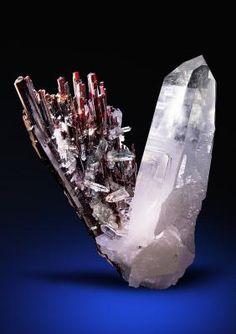 Hübnerite with Quartz - Mundo Nuevo Mine, Mundo Nuevo, Huamachuco, Sanchez Carrion, La Libertad, PeruSize: 8.9 x 6.7 x 5.9 cm