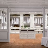 The top 7 features of a modern luxury home have progressed as technology has evolved. Luxury homes now offer a number of new tech driven amenities. Walk In Closet Design, Closet Designs, Shop Interior Design, House Design, Walk In Closet Inspiration, Closet Layout, Closet Remodel, Walk In Wardrobe, Dream Closets