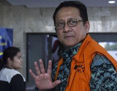 Covesia.com - Komisi Pemberantasan Korupsi (KPK) sebagai pihak termohon tidak hadir dalam sidang perdana praperadilan yang diajukan mantan Ketua Dewan...