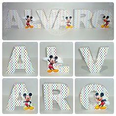 Letras corpóreas de papel - Mickey y Minnie Mouse