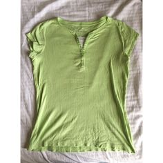 For Sale: Arizona Spring Green Shirt for $12