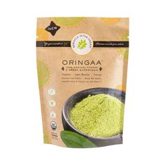Top 4 Benefits of Moringa Oil That Nobody Told You About – Miracle in the Green What Is Moringa, Moringa Recipes, Moringa Leaves, Moringa Powder, Healthy Foods To Eat, Savory Foods, Healthy Skin, Healthy Life, Green Superfood
