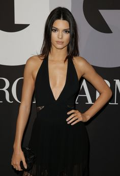 When she just stood there with her literally PER. FECT. hand-on-hip stance. | 22 Times Kendall Jenner Made You Want To Be Or Date Kendall Jenner