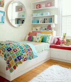 Habitación femenina y colorida