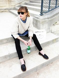 Casual Style | Black Skinny Jeans | Black Loafers | White Sweater