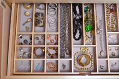 No More Tangles! How To Organize Your Jewelry