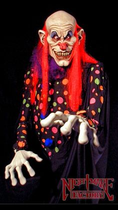 Huge selection of Scary Clown Decorations and props for Halloween. We have the clown prop you need for your Haunted House or Halloween yard. Buy your Clown Decorations and props from the Halloween Prop authority at Halloween Express. Evil Clown Costume, Joker Clown, Creepy Clown, Professional Halloween Costumes, Creepy Carnival, Carnival Costumes, Halloween Express, Morris Costumes, Painting Tattoo