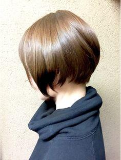 ボリューム(VOLUME)小顔見せマッシュショートボブ Girl Short Hair, Short Hair Cuts, Short Hair Styles, Layered Bob Haircuts, Short Bob Hairstyles, New Hair, Your Hair, Cabello Hair, Fascinator Hairstyles