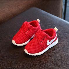 888aaf0e1dc00 Marque Bébé Maille Chaussures Enfants Printemps Super Doux Bas Chaussures  Bottes Automne Enfants Lumineux Sneakers Pour Garçon Filles Chaussures