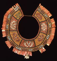 Peru: Pectoral made from pieces of spondylus shell, mother-of-pearl, and cotton. Inca Empire, Mesoamerican, Berlin, Indigenous Art, Museum, Ancient Artifacts, Ancient Civilizations, Tribal Jewelry, Stone Beads