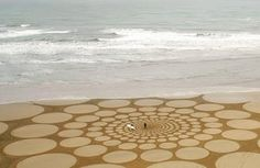 land-art-plage