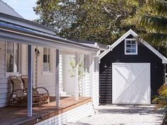 Some of my fav things - Weatherboards , verandahs and a sweet little barn garage at the gorgeous 💙 Barn Door Garage, Garage Exterior, Barn Doors, Weatherboard House, Facade House, Reno, Coastal Cottage, House Goals, Modern Farmhouse