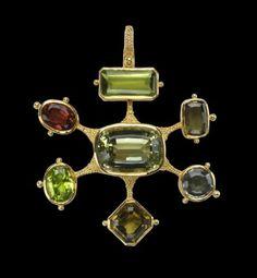 Pendant   Ed Wiener. Tourmaline, peridot, gold.  c. 1969. @Deidra Brocké Wallace Peridots, Ancient Jewelry, Antique Jewelry, Vintage Jewelry, Gems Jewelry, Jewelry Art, Jewelry Watches, Jewelry Necklaces, Jewelery
