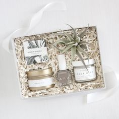 Petite Spa Box - Foxblossom Co. Diy Gifts For Mom, Gifts For Wife, Homemade Gifts, Gifts For Her, Spa Box, Diy Christmas Gifts, Holiday Gifts, Relaxation Gifts, Spa Gifts