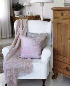 a little fun Wingback Chair, Sofa, Purple Interior, Living Spaces, Living Room, Scandinavian Home, Interior Accessories, Home Textile, Interior Inspiration