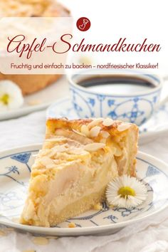 North Frisian apple sour cream cake - recipe for a cake dream! Apple pie recipes: recipe for grandma& apple sour cream cake from herzelieb. Easy Baking Recipes, Apple Pie Recipes, Easy Cake Recipes, Fish Recipes, Frosting Recipes, Dairy Free Chocolate Cake, Chocolate Recipes, Apple Sour Cream Cake, Apple Cake