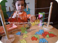 El joc de l'Estenedor de María Antonia Canals. Juga  amb 3 variables: color, mida mànigues i nombre de botons