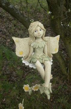 vílí zvonkohra / Zboží prodejce Lydilka   Fler.cz Wizards, Clay Art, Fairies, Dragons, Garden Sculpture, Teddy Bear, Butterfly, Gardening, Interior