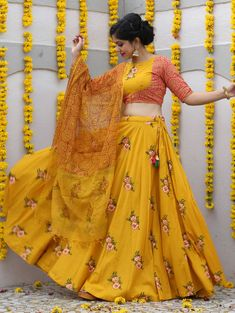 Best range of latest indian designer lehenga choli collection for wedding and parties. Grab the fancy fabric yellow readymade lehenga choli. Lehenga Choli Designs, Saree Blouse Designs, Indian Gowns Dresses, Indian Fashion Dresses, Indian Designer Outfits, Designer Dresses, Lehnga Dress, Lehenga Blouse, Lehenga Gown